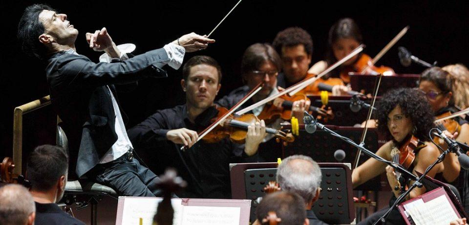 Officine Grandi Riparazioni: Ezio Bosso & Stradivari Festival Chamber Orchestra inaugura Piano Lessons
